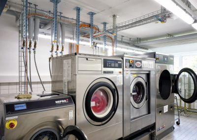 Installation Wäscherei mit Warmwasser, Kaltwasser und Osmosewasser und Ablauf(2)
